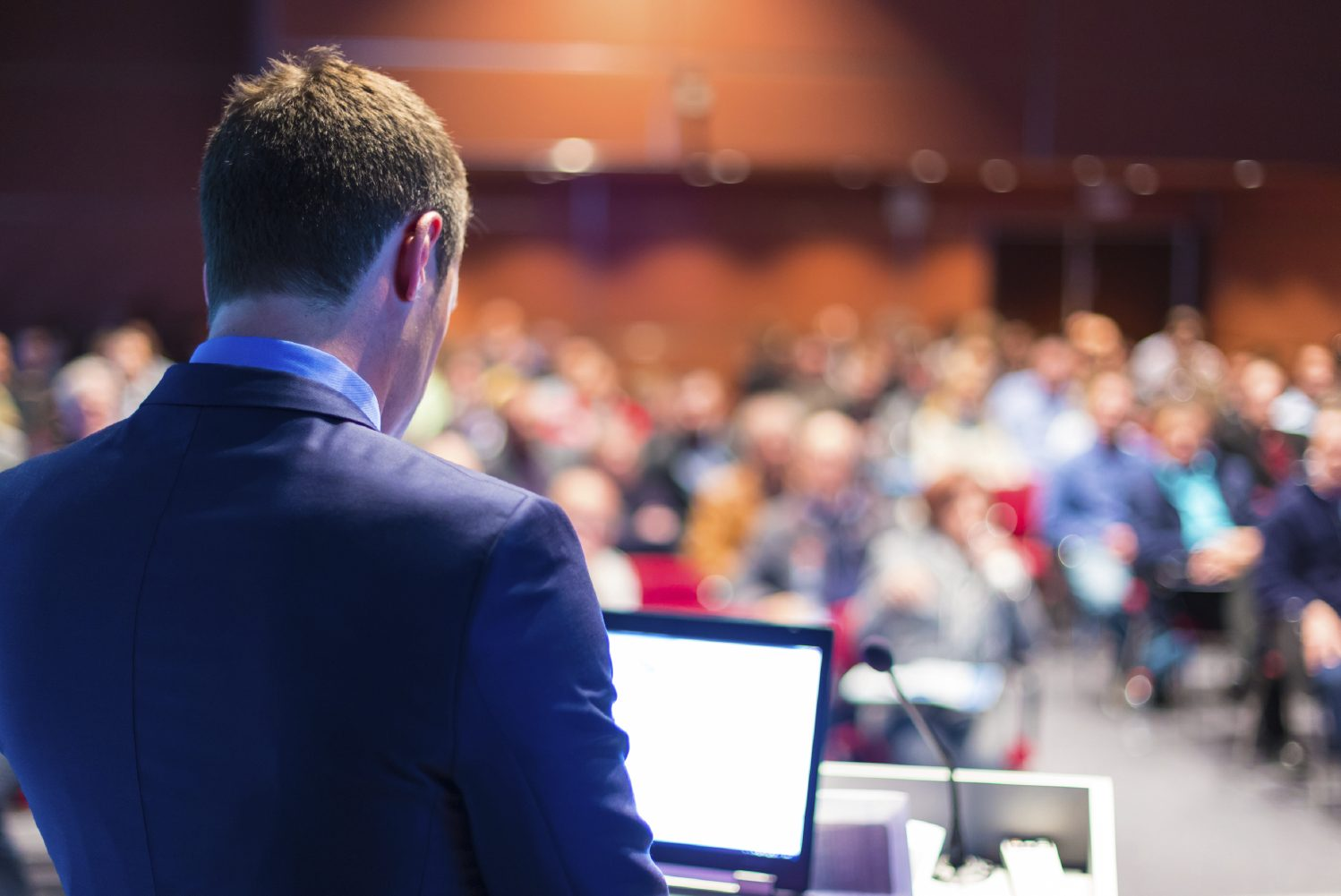 5 Dos and Don'ts for Planning a Corporate Town Hall
