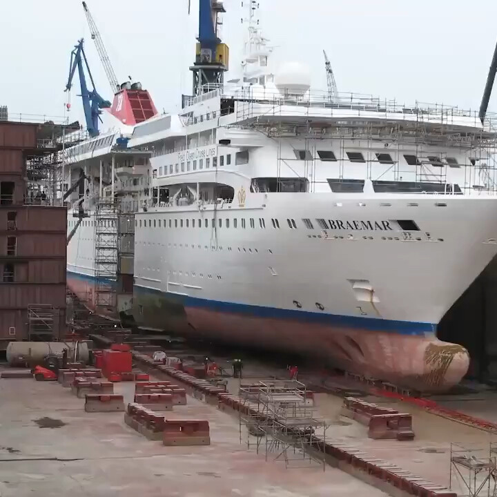 Cheddar Inc. on LinkedIn: Check out how this ship was extended. https://chdr.tv/8a01e